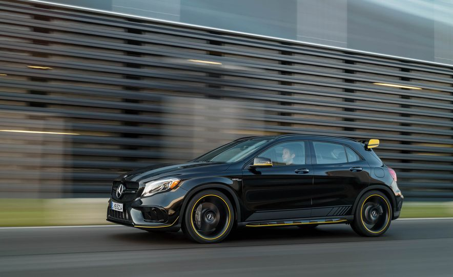 2018 Mercedes-AMG GLA45 4MATIC - Slide 37