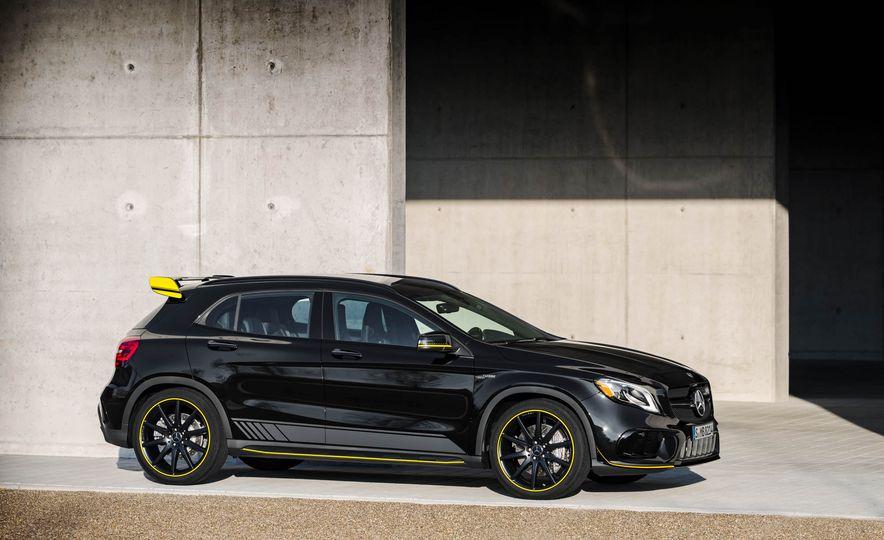 2018 Mercedes-AMG GLA45 4MATIC - Slide 40