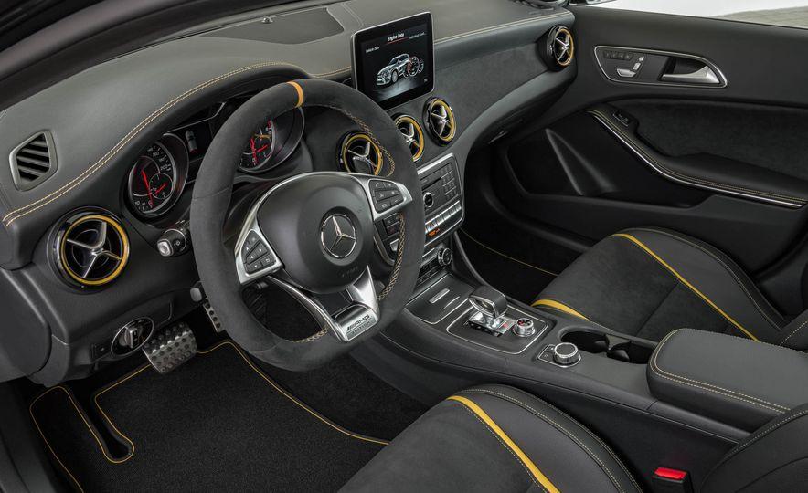 2018 Mercedes-AMG GLA45 4MATIC - Slide 47