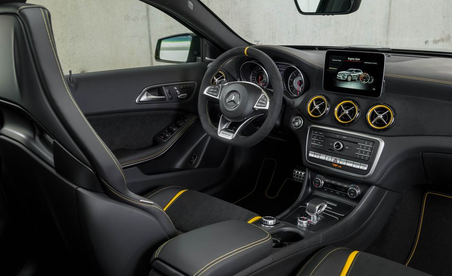 2018 Mercedes-AMG GLA45 4MATIC - Slide 48