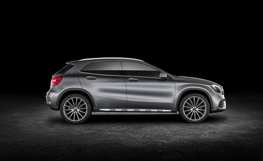 2018 Mercedes-AMG GLA45 4MATIC - Slide 55