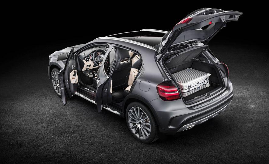2018 Mercedes-AMG GLA45 4MATIC - Slide 57