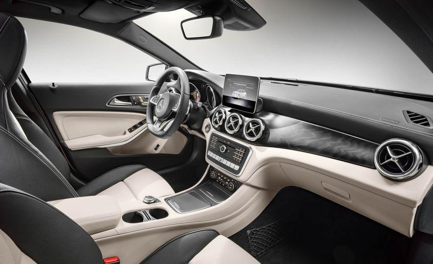 2018 Mercedes-AMG GLA45 4MATIC - Slide 60