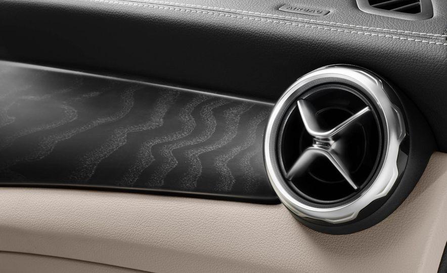 2018 Mercedes-AMG GLA45 4MATIC - Slide 62