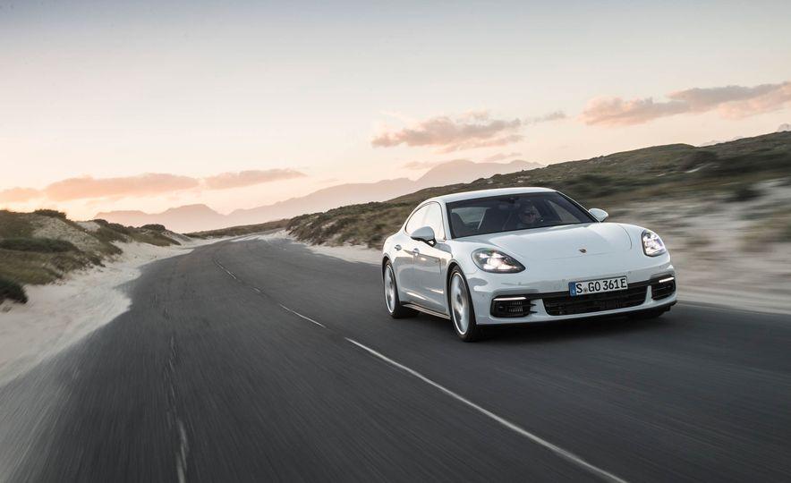 2018 Porsche Panamera 4 e-hybrid - Slide 4