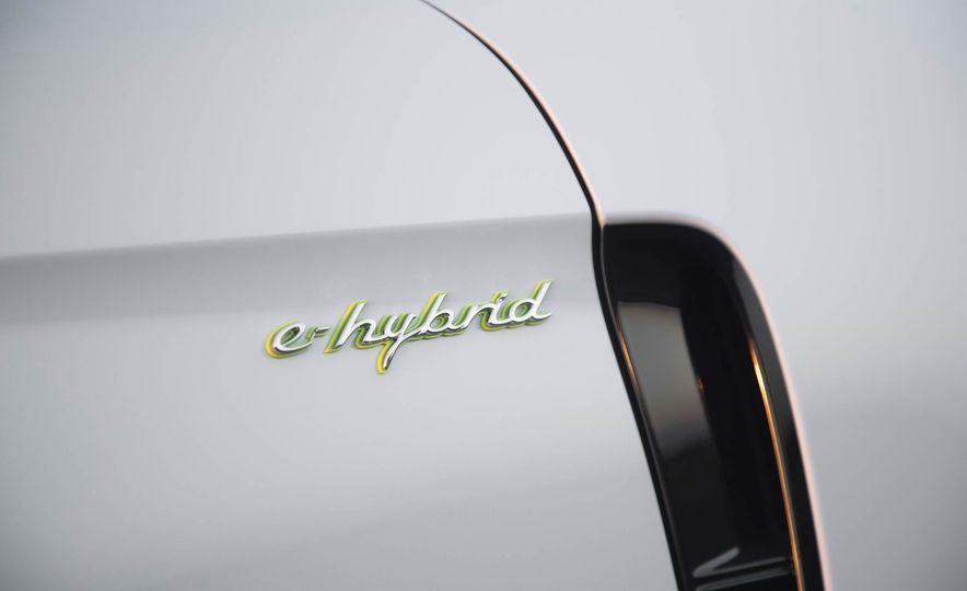 2018 Porsche Panamera 4 e-hybrid - Slide 27