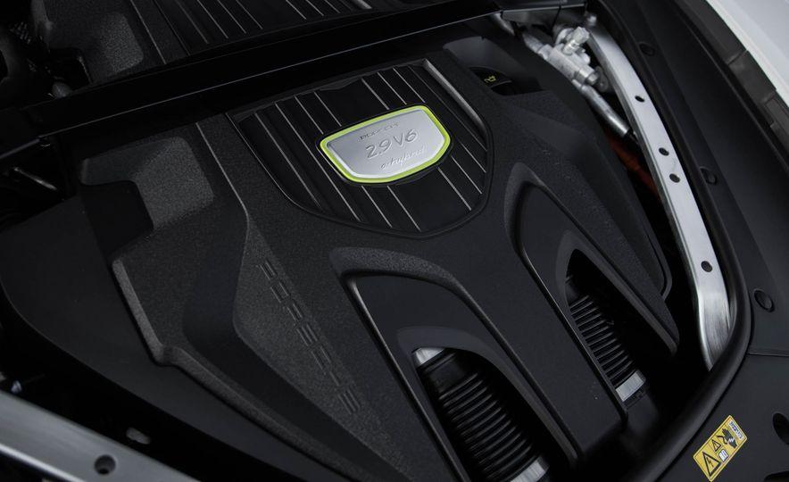 2018 Porsche Panamera 4 e-hybrid - Slide 40