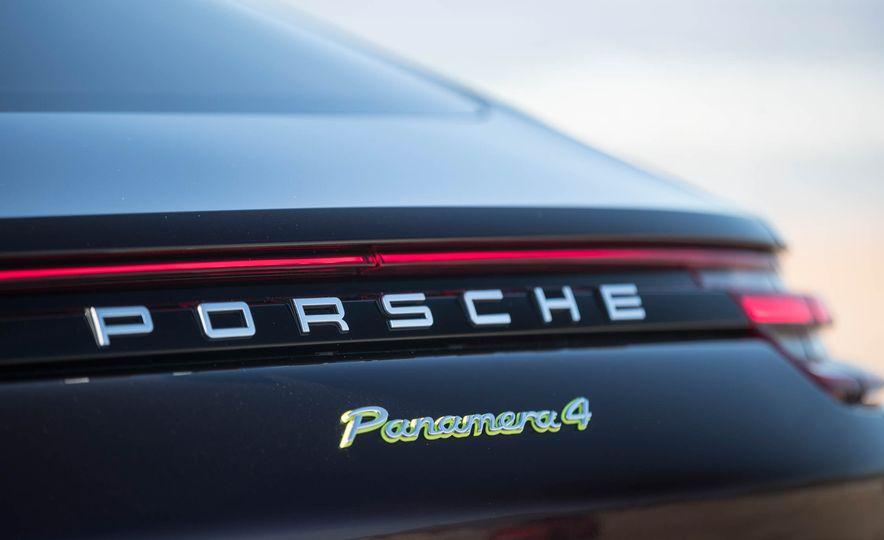 2018 Porsche Panamera 4 e-hybrid - Slide 60