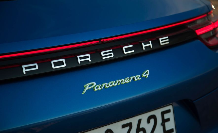 2018 Porsche Panamera 4 e-hybrid - Slide 97