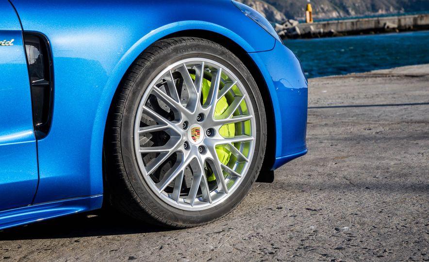 2018 Porsche Panamera 4 e-hybrid - Slide 100