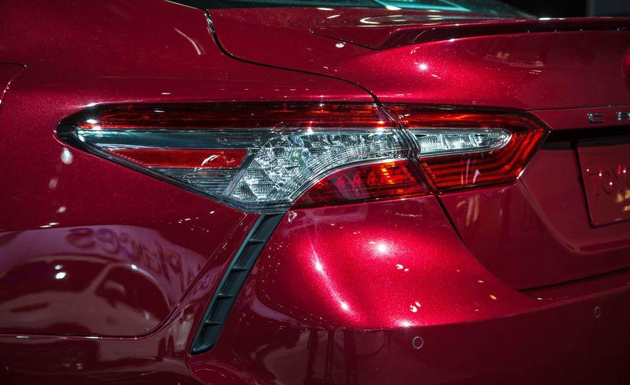 2018 Toyota Camry - Slide 5