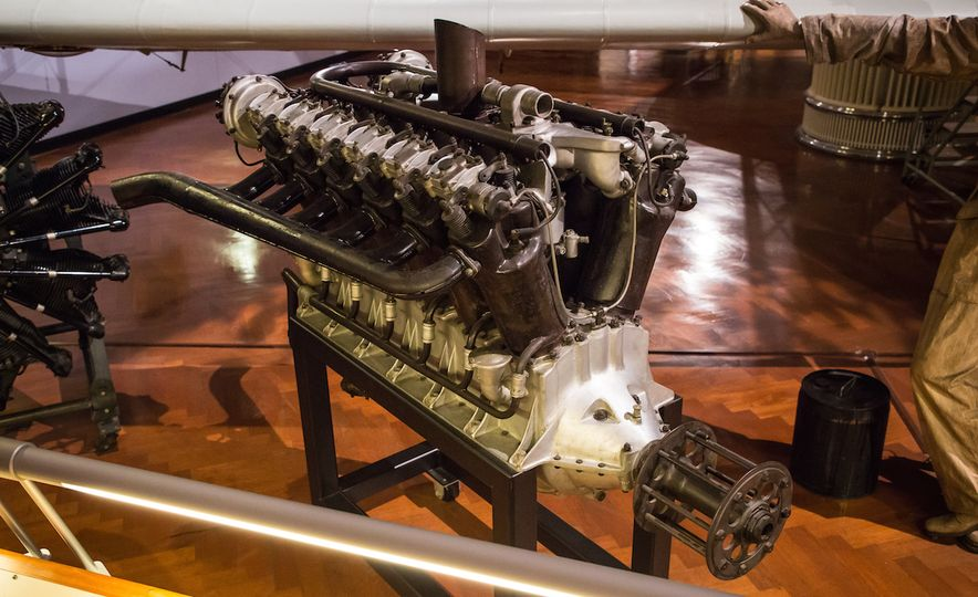 Engines au Naturel: An Unfettered Look Under the Hood at Some of History's Most Significant Engines - Slide 8