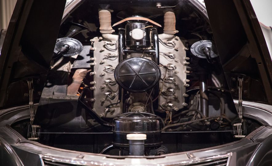 Engines au Naturel: An Unfettered Look Under the Hood at Some of History's Most Significant Engines - Slide 13