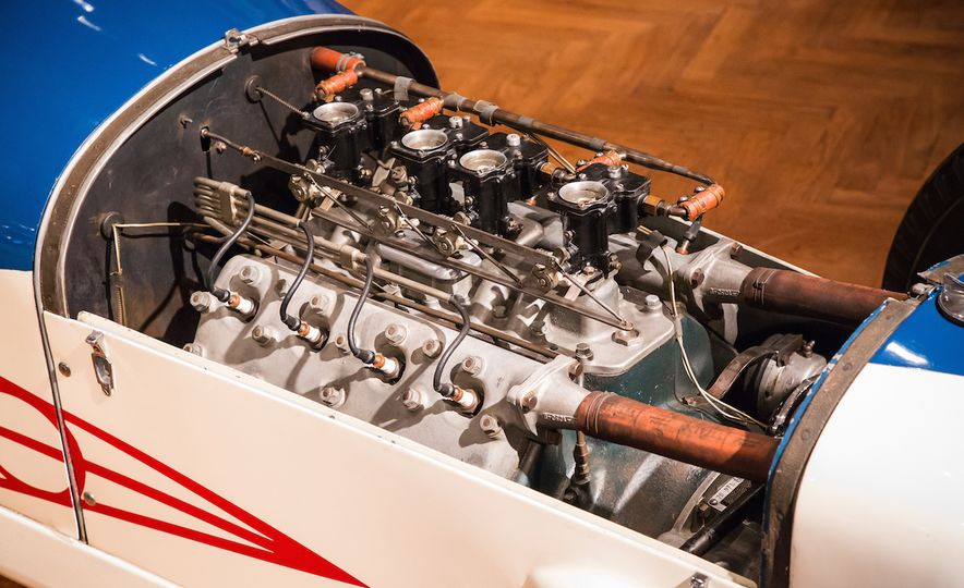 Engines au Naturel: An Unfettered Look Under the Hood at Some of History's Most Significant Engines - Slide 12