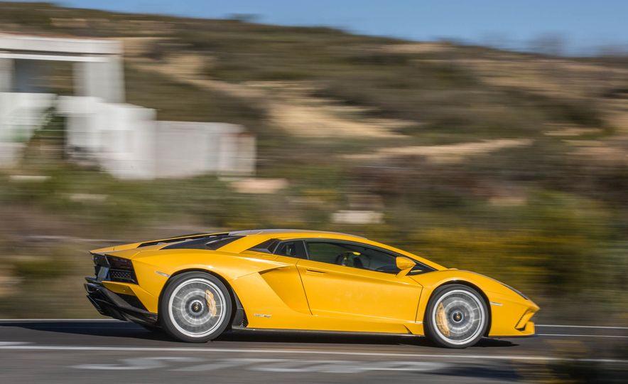 2017 Lamborghini Aventador S - Slide 51
