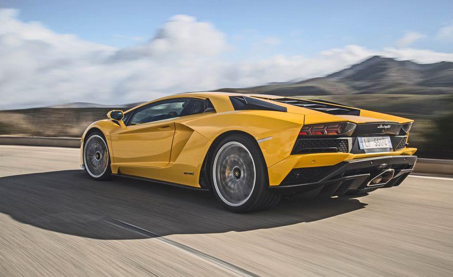 2017 Lamborghini Aventador S - Slide 52