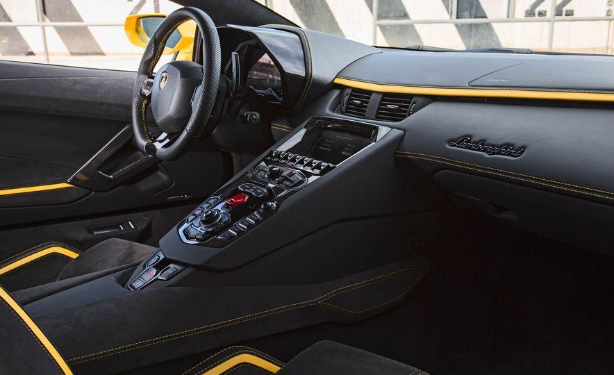 2017 Lamborghini Aventador S - Slide 61