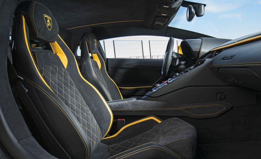 2017 Lamborghini Aventador S - Slide 62
