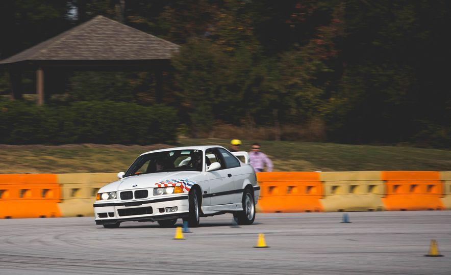 1995 BMW M3 Lightweight - Slide 3