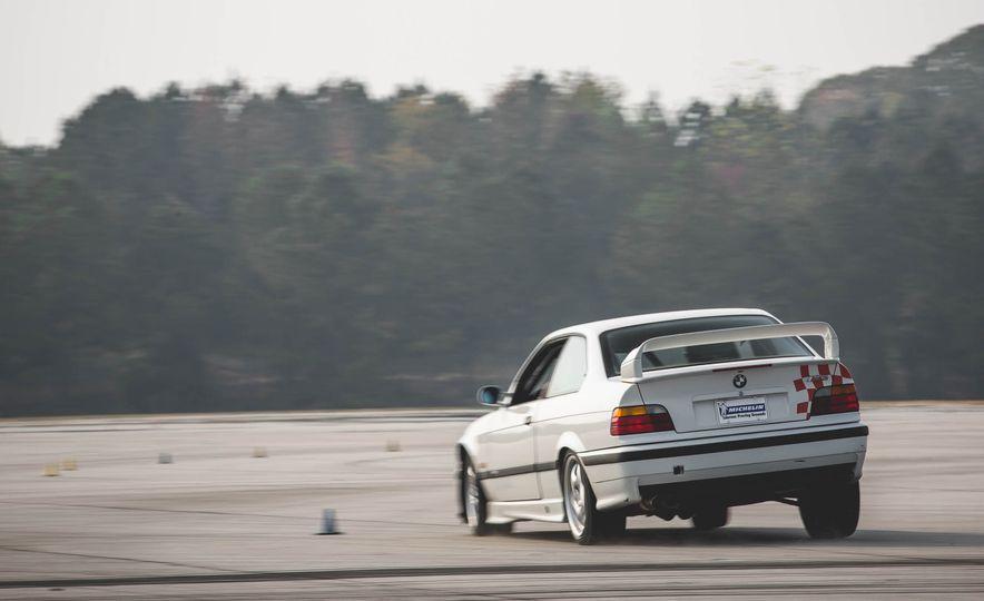 1995 BMW M3 Lightweight - Slide 6