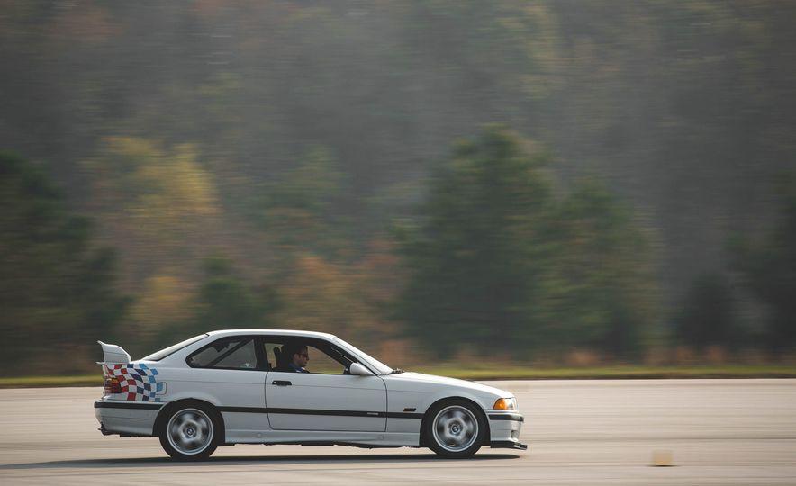 1995 BMW M3 Lightweight - Slide 9