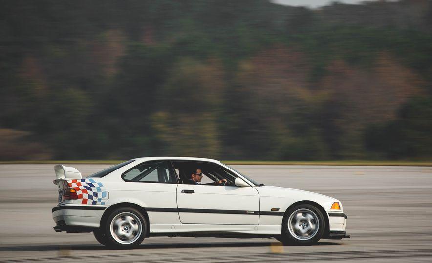 1995 BMW M3 Lightweight - Slide 10