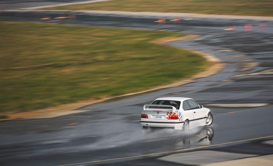 1995 BMW M3 Lightweight - Slide 16