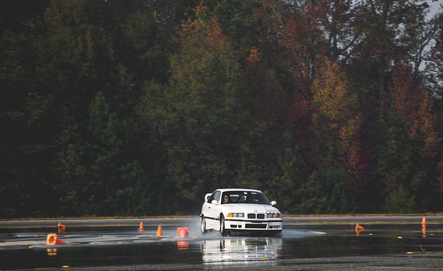 1995 BMW M3 Lightweight - Slide 18