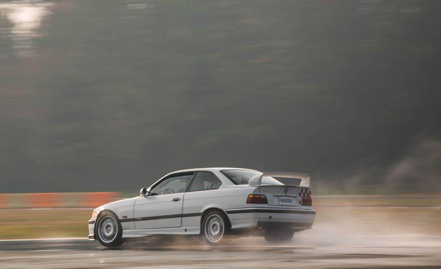 1995 BMW M3 Lightweight - Slide 24