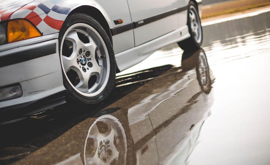 1995 BMW M3 Lightweight - Slide 39