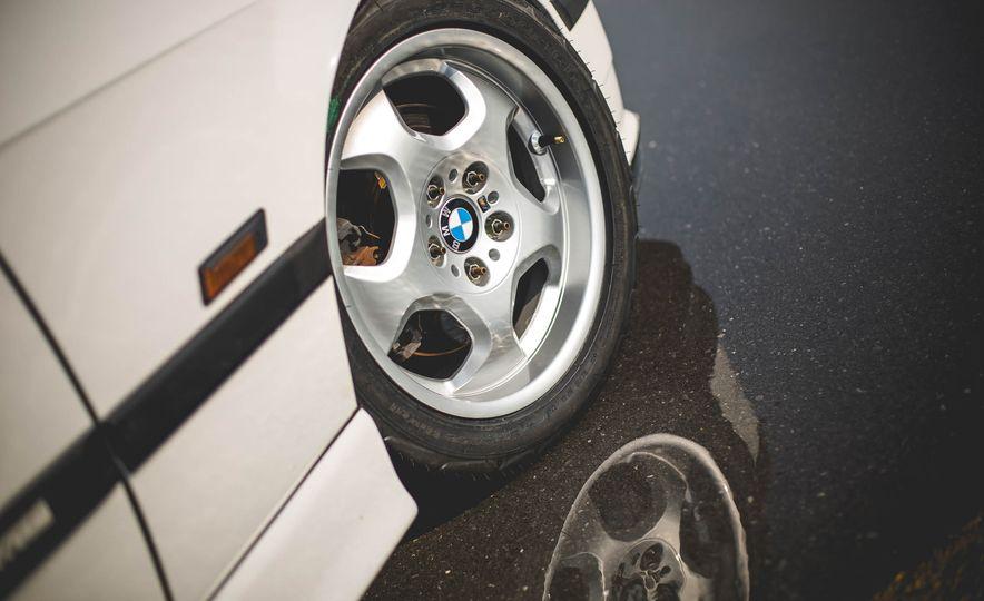 1995 BMW M3 Lightweight - Slide 40