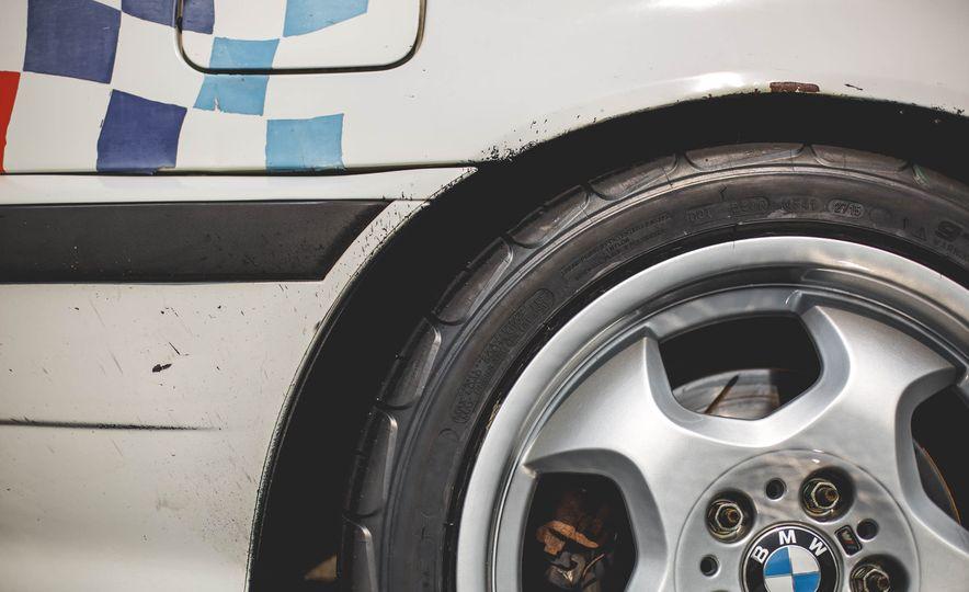 1995 BMW M3 Lightweight - Slide 43