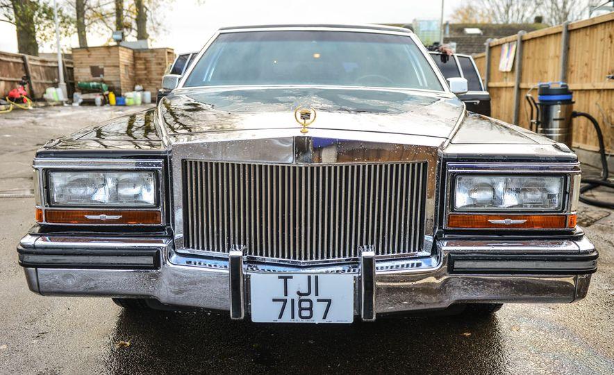 1988 Cadillac Trump Golden Series Limousine - Slide 1