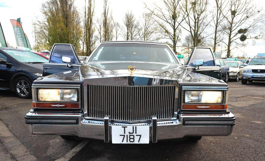 1988 Cadillac Trump Golden Series Limousine - Slide 2