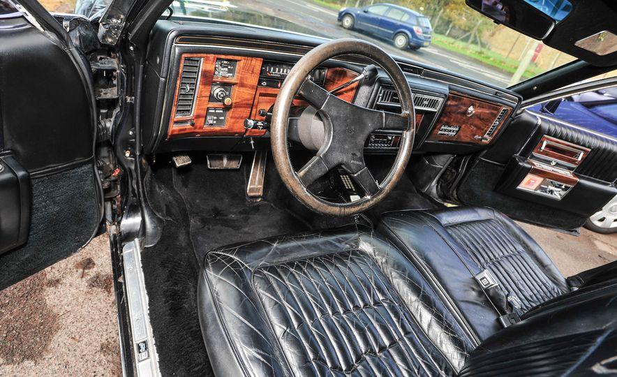 1988 Cadillac Trump Golden Series Limousine - Slide 5