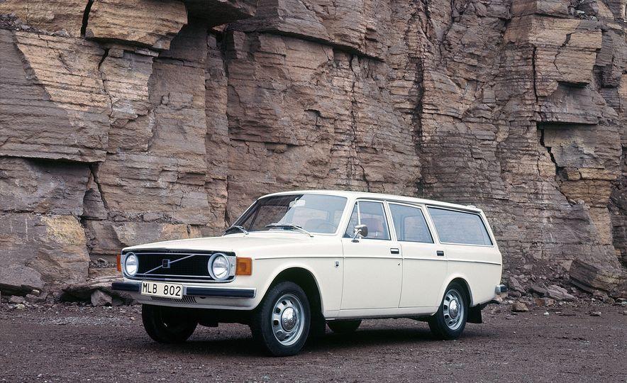 Volvo 145 - Slide 1