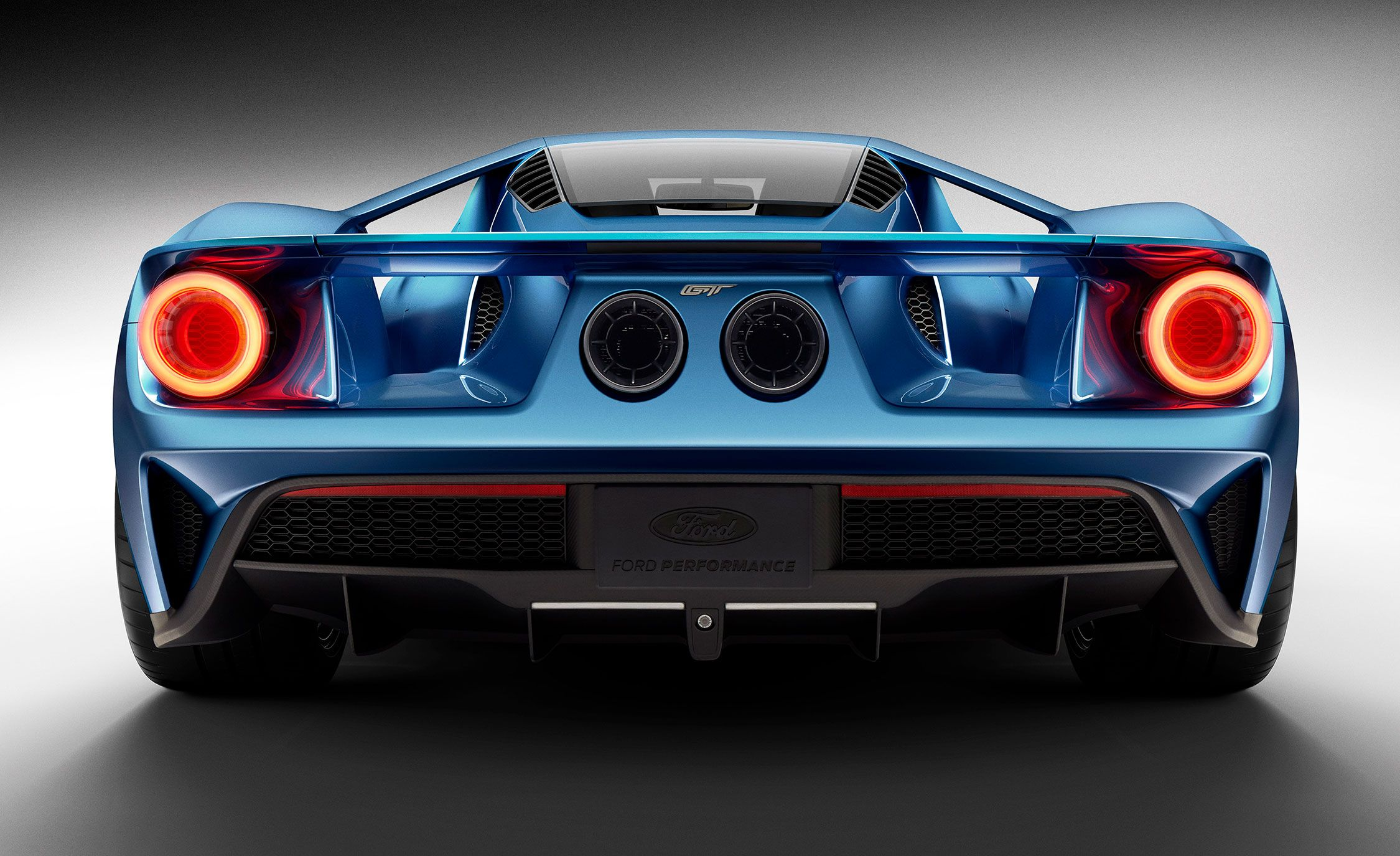2019 Ford Gt Reviews Ford Gt Price Photos And Specs Car And Driver