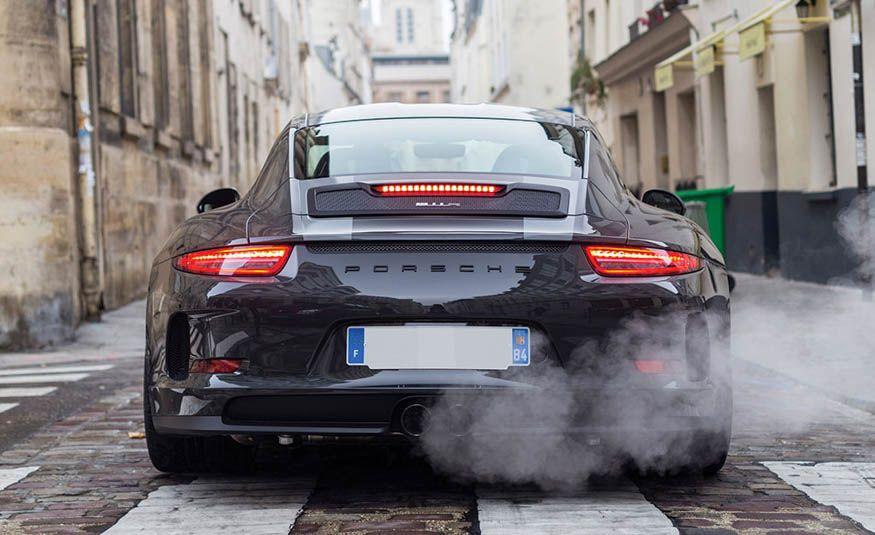 2016 Porsche 911 R - Slide 9