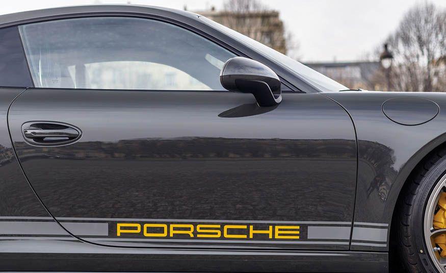 2016 Porsche 911 R - Slide 12
