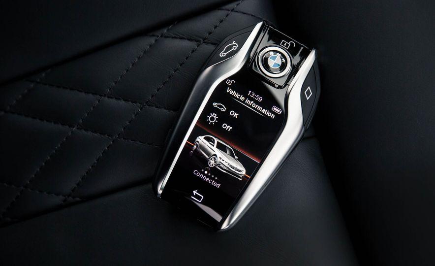 2017 BMW 530d xDrive M-Sport sedan (Euro-spec) - Slide 32