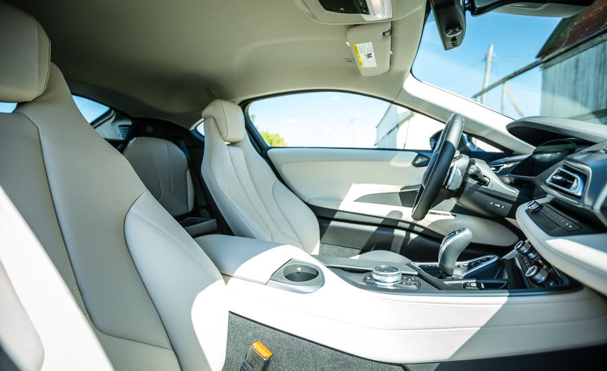 2017 BMW i8 – Overview - Slide 9