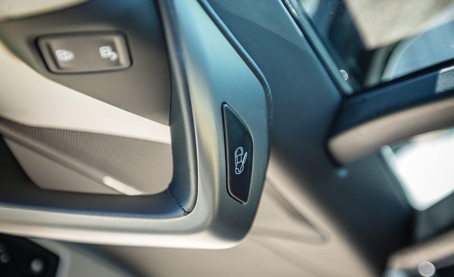 2017 BMW i8 – Overview - Slide 16