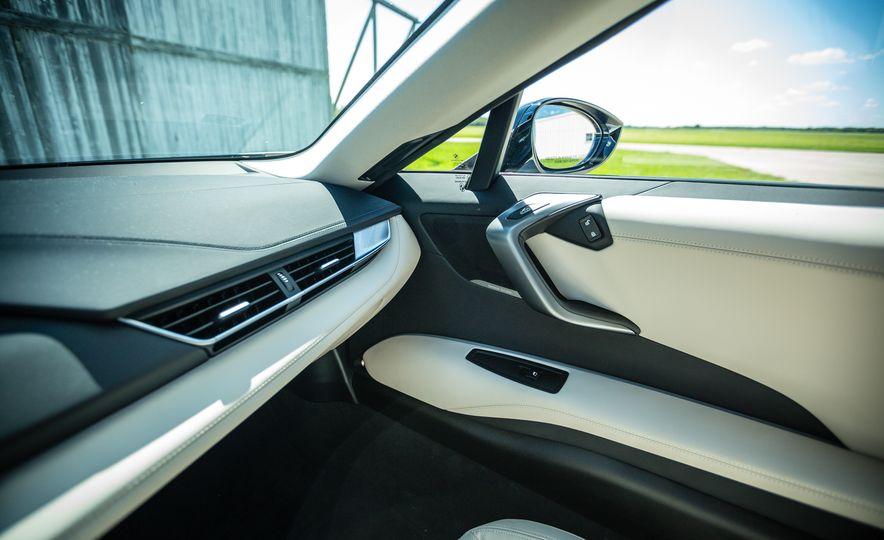 2017 BMW i8 – Overview - Slide 18