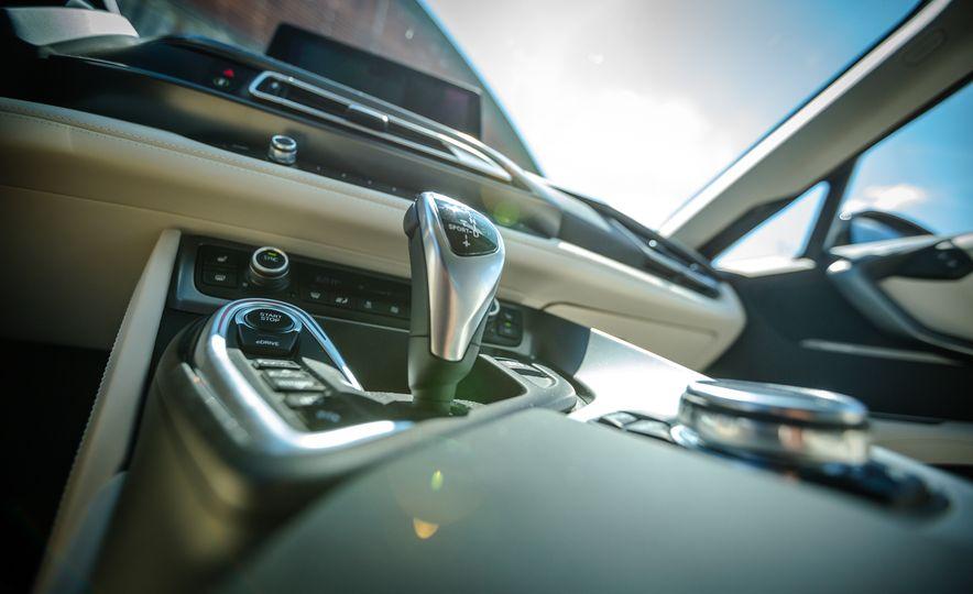 2017 BMW i8 – Overview - Slide 20