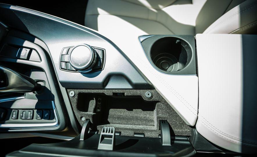 2017 BMW i8 – Overview - Slide 30