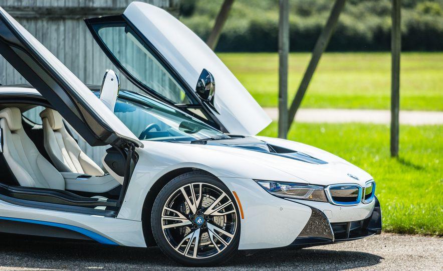 2017 BMW i8 – Overview - Slide 42
