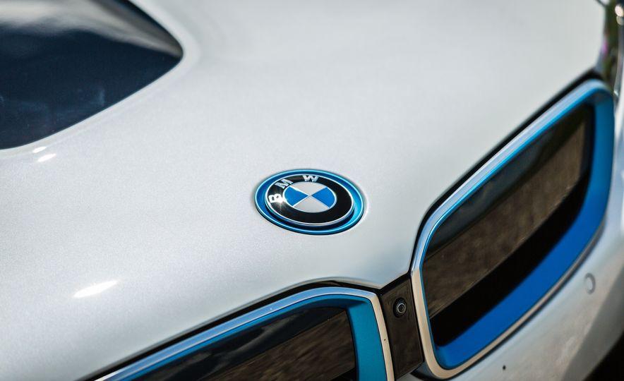 2017 BMW i8 – Overview - Slide 44