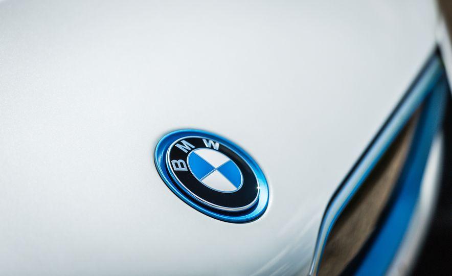 2017 BMW i8 – Overview - Slide 48