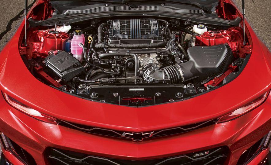 2017 Chevrolet Camaro ZL1 coupe - Slide 12