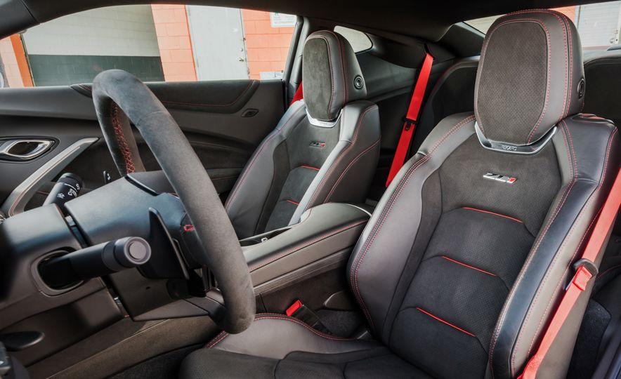 2017 Chevrolet Camaro ZL1 coupe - Slide 26